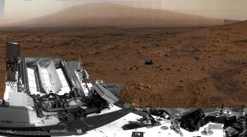 "Curiosity looks south from its perch at ""Rocknest"" site. Taken between Oct. 5 and Nov. 16, 2012. From the first gigapixel image taken on Mars's surface. Courtesy NASA/JPL-Caltech/MSSS"